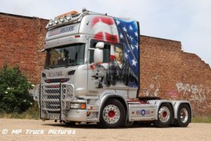 Transporte_Decker_Top_Gun_Scania_1